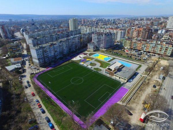 """Новият спортен комплекс на ул. """"Студентска"""" във Варна придоби завършен вид (снимки)"""