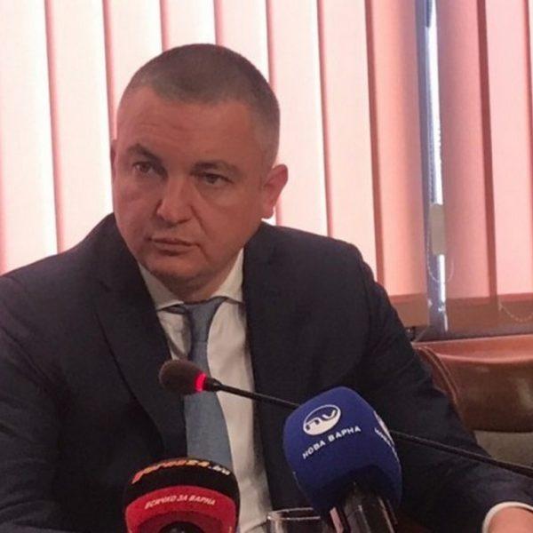 Дезинфекцират спортни и детски площадки във Варна, подлези и гари