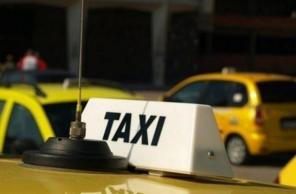 Забраняват ползването на автоматите за кафе на открито във Варна, таксиметровите шофьори задължително с маски!