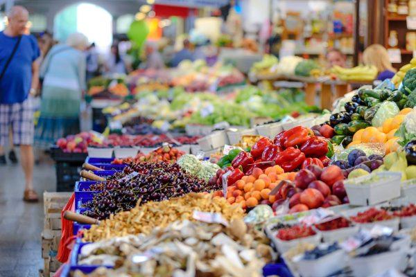 Затварят пазарите във Варна