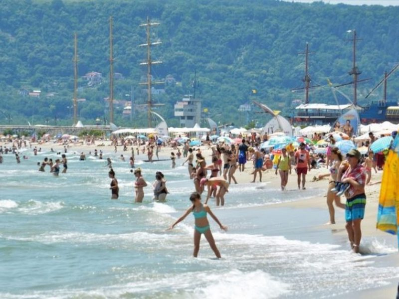 COVID-19 поразява най-тежко туризма във Варна