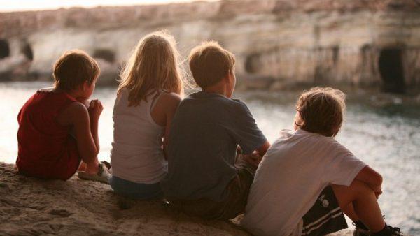 Не отнемайте детството от децата! 4 ползи за тяхното развитие от игрите навън