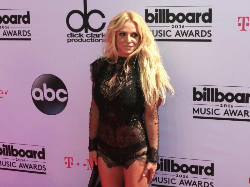 Албум на Бритни Спиърс оглави класация 4 години след излизането му