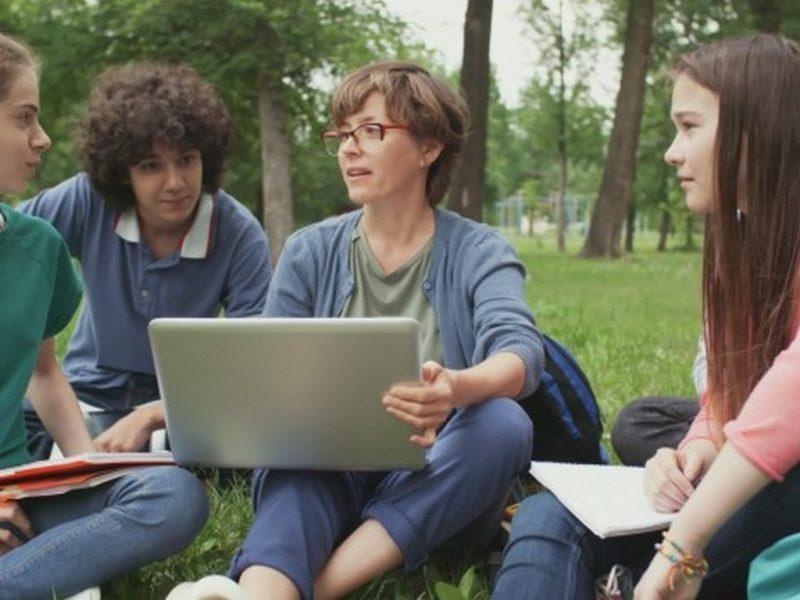 От учебната 2020 / 2021 г.: Две специалности по един учебен план във Варненския свободен университе