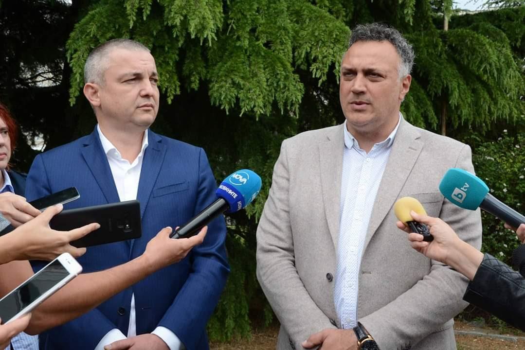 Стоян Пасев: Всички, които са заустили незаконно в езерото ще излязат наяве