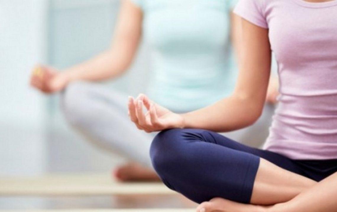 Йогата помага срещу мигрена