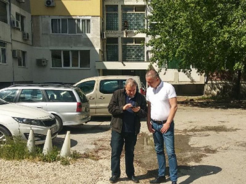 """Правят паркинг и още кътове за отдих в кв.""""Възраждане"""" във Варна"""