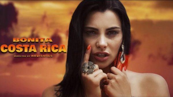 Сексапилната моделка Бони от Варна пусна дебютния си сингъл Diva