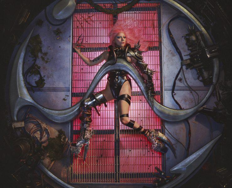 Лейди Гага се завърна на поп трона си