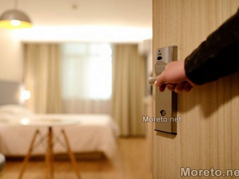Родни хотелиeри масово планират смъкване на цените