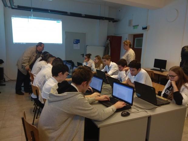 """Училище във Варна разкрива паралелка """"Компютърна анимация"""", единствена в страната"""