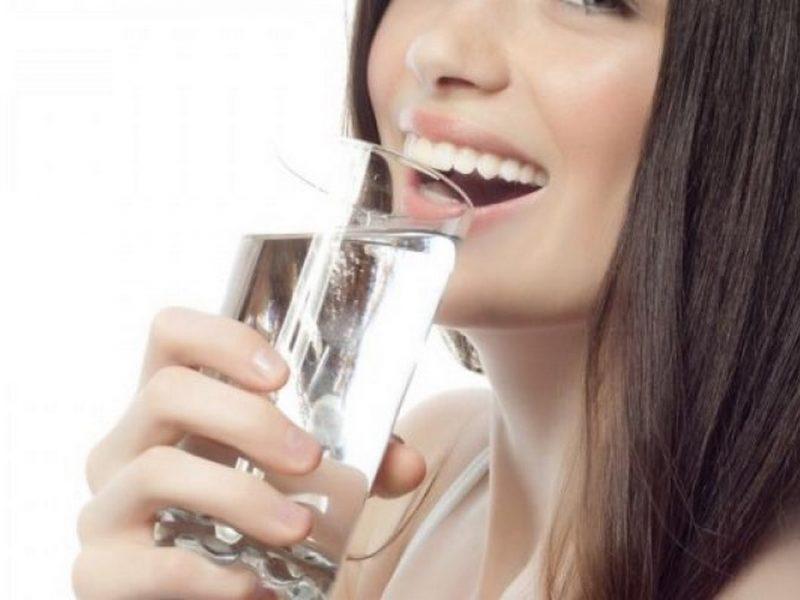 Без вода на работното място губите концентрация, качвате килограми и вдигате кръвното