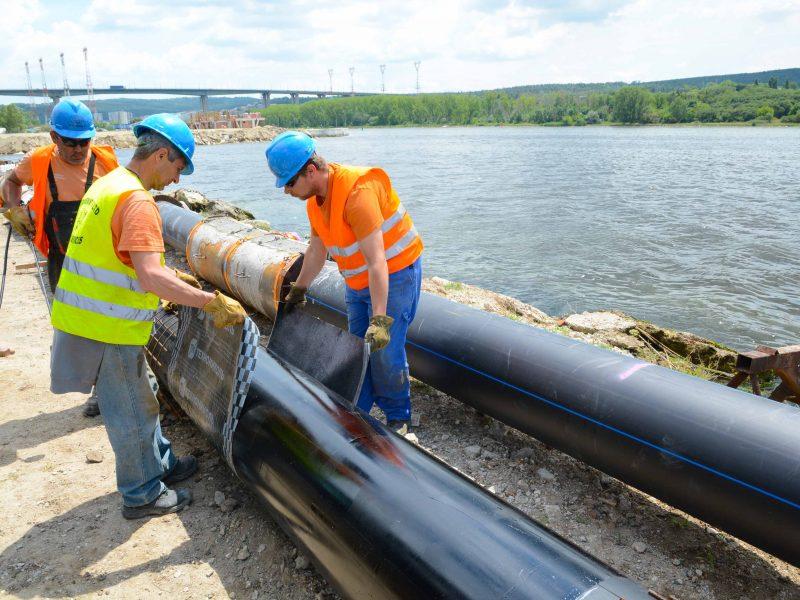 Подмяната на тръбопроводa, замърсил Варненското езеро ще приключи до края на месеца