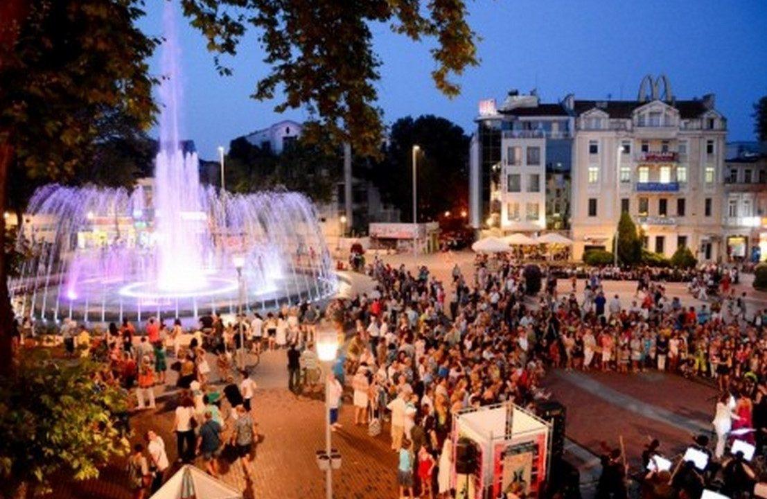 Два концерта и заря за празника на Варна (програма)