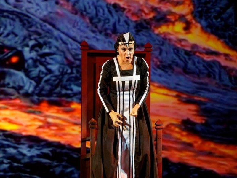 """Фурор на първата премиера на """"Макбет"""" във Варна"""