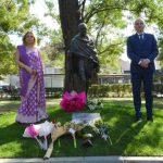 Откриха паметник на Махатма Ганди във Варна (СНИМКИ)
