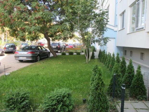 """Облагородиха пространството около жилищни коопераций в """"Приморски"""""""