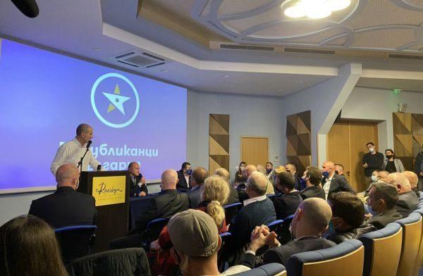 Цветанов във Варна: Позициите на правителството по Триморието и 5 G мрежите са правилни, но закъснели