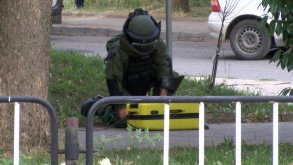 Забравен куфар стресна полицията във Варна, взривиха го