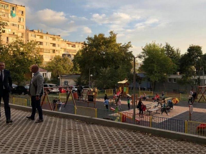 """Нови паркинги има вече и в кв. """"Владиславово"""""""