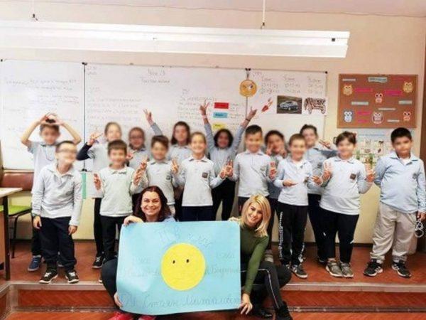 Ученици от Варна се усмихват срещу COVID-19