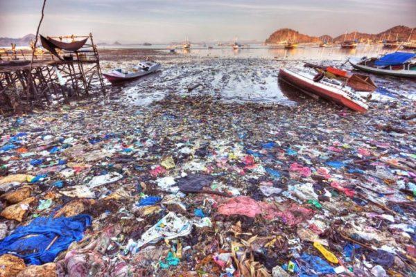 Морското дъно на планетата е осеяно с 14 милиона тона микропластмаса