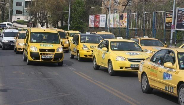Подпомагат финансово таксиметровите превозвачи във Варна