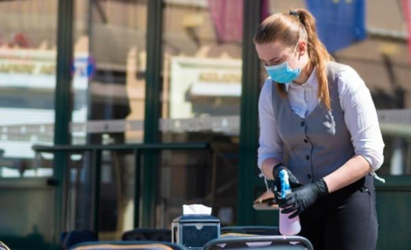 Работещите във варненските заведения готвят протест