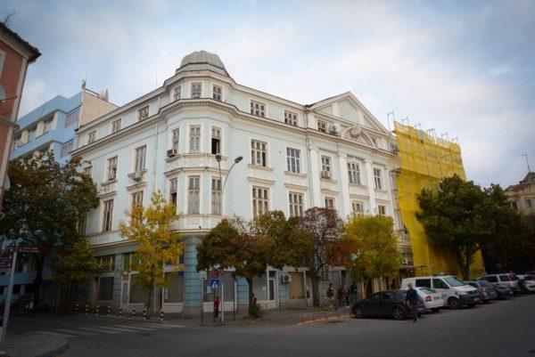 Продължава ремонтът на сградата на ОД на МВР – Варна (СНИМКИ)