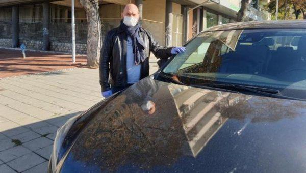 Варненският депутат Павел Христов даде колата си на РЗИ