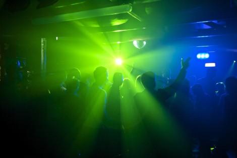 Нощни заведения във Варна смениха работното си време и продължават да работят