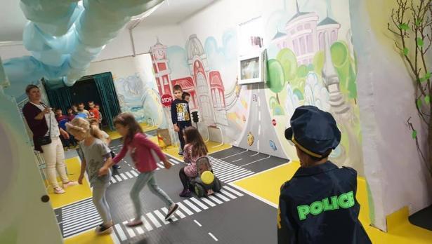 """В ДГ """"Маргаритка"""" във Варна оборудваха интерактивна зала за безопасно движение"""