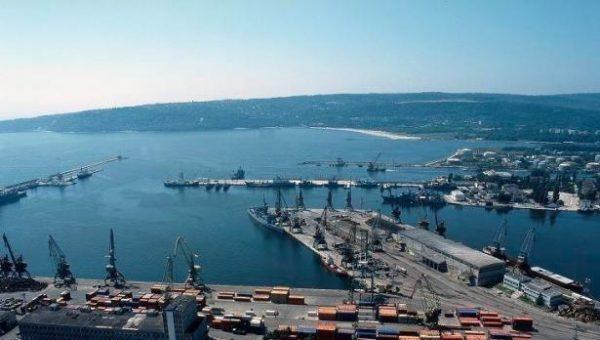 Окончателното завършване на мастър плана за Пристанище Варна е гаранция за нашето бъдеще, призовават работници от порта