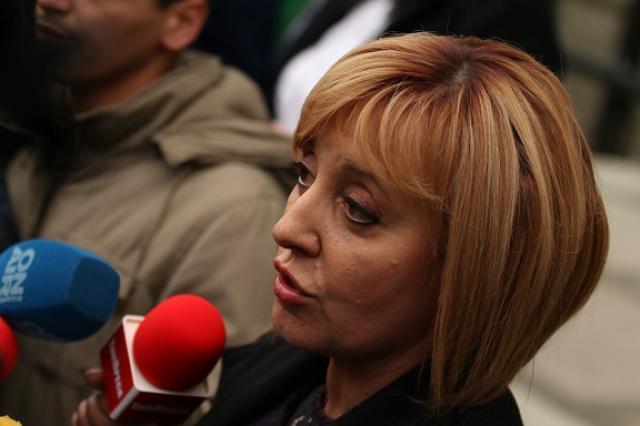 Манолова от Варна: Държавата трябва да осигури безплатни тестове за всички
