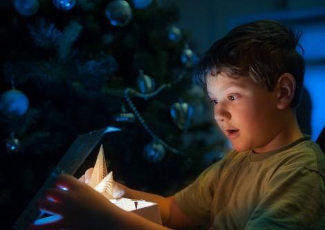 Зарадвай с подарък за Коледа дете в неравностойно положение във Варна
