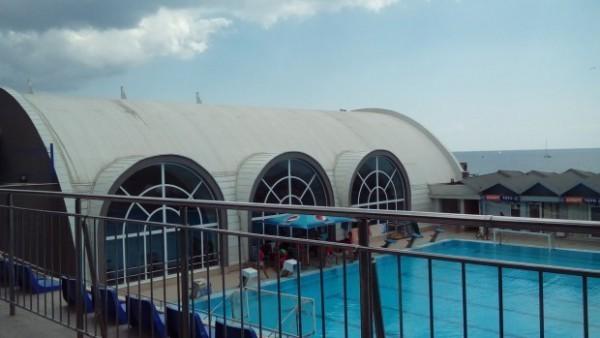 Общинските спортни бази във Варна няма да работят по Коледа