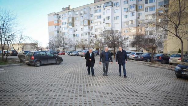 """Изградиха още 2 големи паркинга в """"Кайсиева градина"""""""