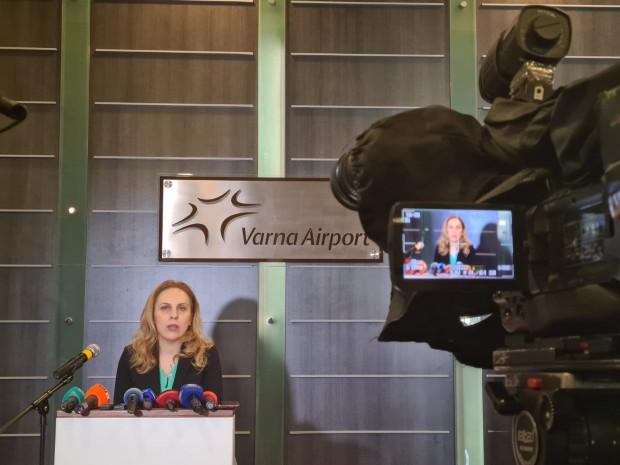 Вицепремиерът Марияна Николова във Варна: Отчитаме безпрецедентен спад в международните пътувания