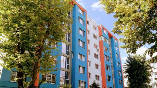 Държавата санира още 5 блока във Варна