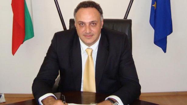 Стоян Пасев: 1292 медици се ваксинираха във Варна. Следват учителите