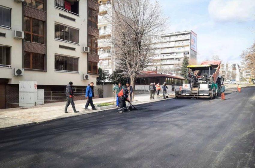 """Асфалтират улица """"Братя Бъкстон"""" във Варна през март"""