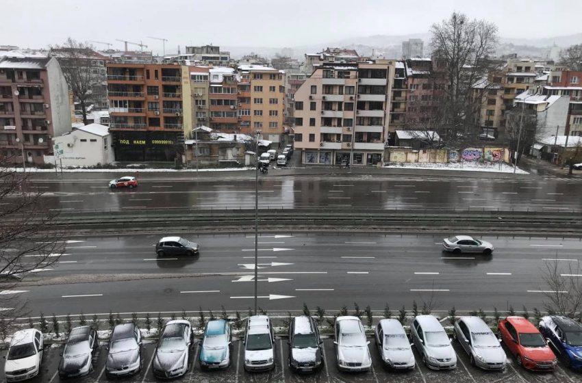 Нормална е пътната обстановка във Варна