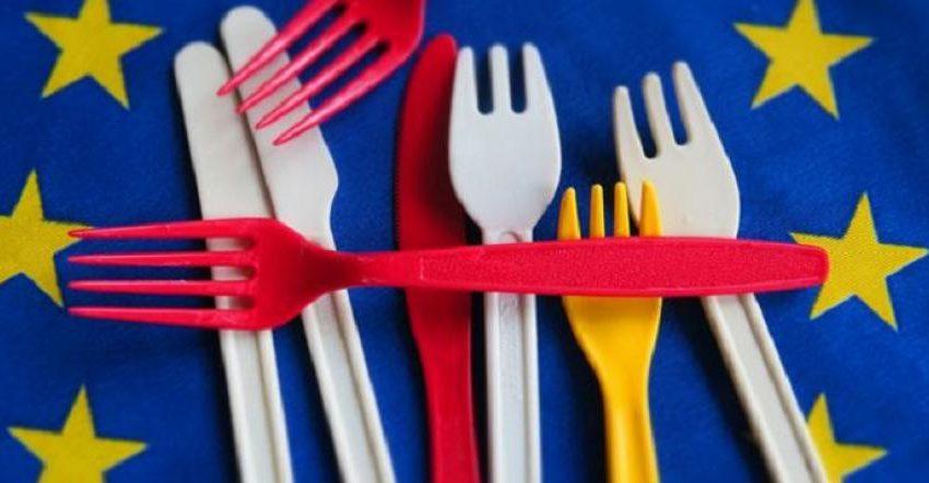 Според Евродиректива за намаляване на отпадъците: Без пластмасови сламки и чаши, махат и капсулите с кафе