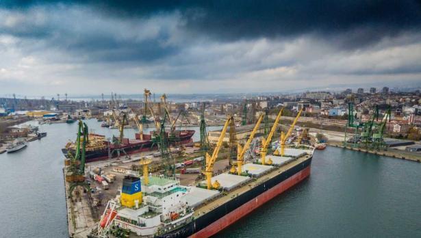 Разрешиха хидротехнически работи за удълбочаване на Канал 1 и Канал 2 в Пристанище Варна