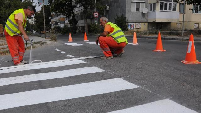 Започва обновяването на маркировката на пешеходните пътеки във Варна