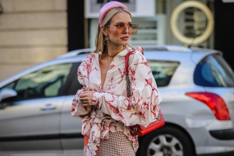 Аксесоарът от 60-те години, който трябва да имате, за да сте в крак с модата