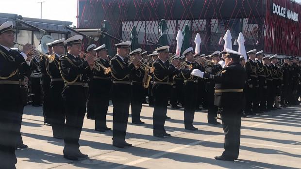 С тържествен военен ритуал и демонстрации отбелязаха Деня на храбростта на Морска гара Варна