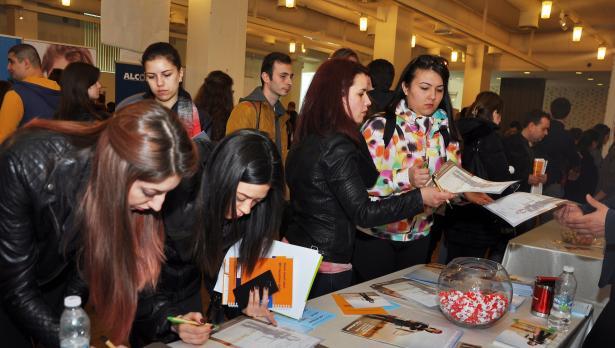 Български и международни компании ще наемат студенти и млади специалисти във Варна