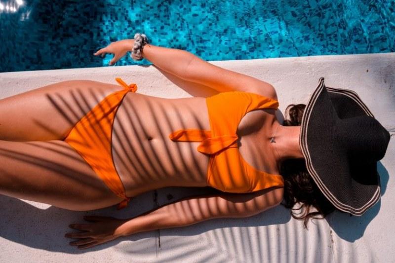 Трикове как да подготвите кожата си за слънцето и да запазите тена си по-дълъг