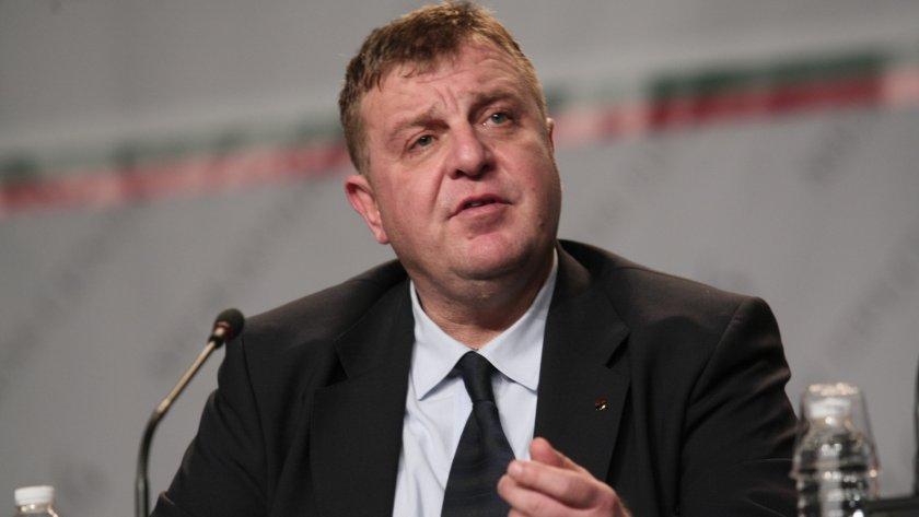 Каракачанов повежда листите в 25-ти МИР в София и във Варна